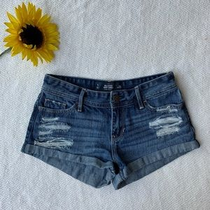 Hollister Distressed Low Rise Shorts W25